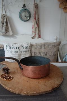 Dekorativer alter Kupfertopf Kasserolle aus Frankreich