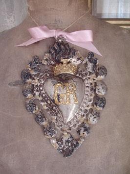 Antikes Votiv / Flammendes Herz mit Krone