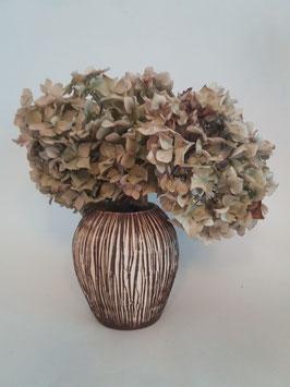 vase strié brun