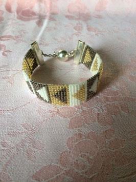 Armband gemaakt met weefgetouw met miyuki delica parels