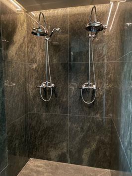Aufputz Duscharmatur mit Ständerwerk und Kopfbrause BLACK-RAFFLES
