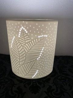 Gilde Porzellan Lampe Blätter seitlich