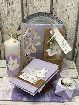 Konfirmation in lila mit Einladungskarte