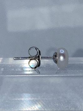 Perlohrstecker mit Süßwasserzuchtperlboutons 5 mm und  925'er Silberbrisur