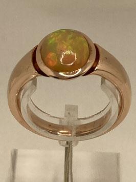Opalring in Rotgold und einem  Edelopal mit 1,66 ct