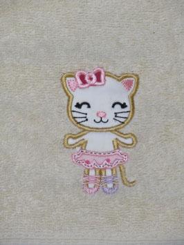 Besticktes Handtuch mit Name und Stickapplikation