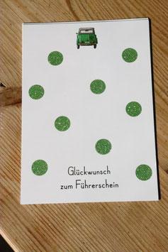 """Postkarte """" Glückwunsch zum Führerschein"""" mit grünen Glitzerpunkten"""
