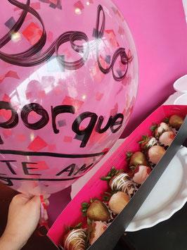Fresas coquetas y globo mini burbuja