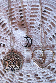 Collier witchy