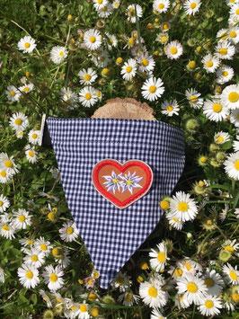 """Dreieckstuch Hundehalsband """"blau klein-kariert + 2 Edelweißblumen im roten Herz """""""