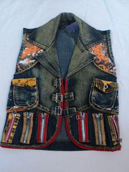 283 Coole Biker Jeansweste =) mit coolen Details -wurde Karneval als Punker getragen Gr. 98/104