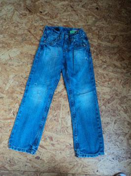 85 Coole Jeans blau mit Löcher (die sind so) von VINGINO Gr. 8 122/128