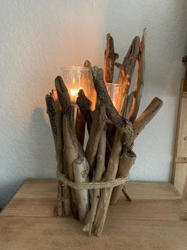 Bougeoir en bois flotté et deux bougies pour Noël