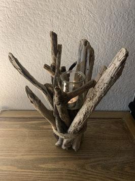 Bougeoir en bois flotté et bougie pour Noël