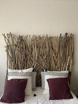 Tête de lit en bois flotté