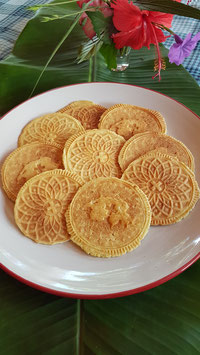 original SWISS BRETZELI / traditional Swiss crispy cookies