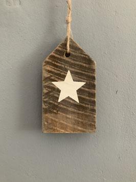 Holzanhänger mit weißem Stern