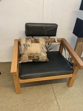 Einzelstück- Sessel in Eiche gebürstet, massiv