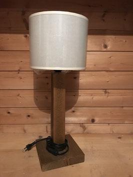 Lampe viereckiger Holzständer + weißer Schirm