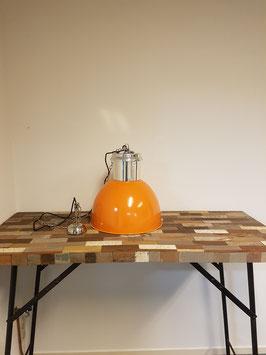Lamp Pole to Pole Industrieel M Orange