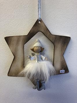 Engel mit Wattekleid im Stern