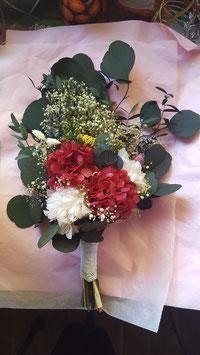 Ramo de novia con flor preservada.