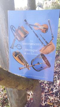 """Livre """" Les instruments de musique de nos terroirs"""""""