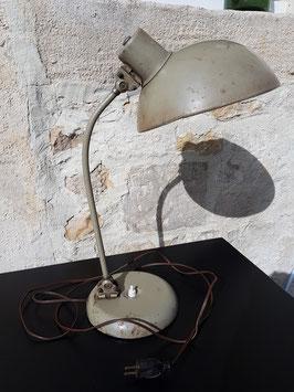Ancienne lampe de bureau industriel grise