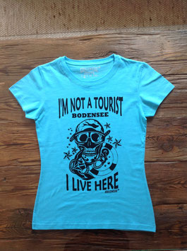 I´m not a Tourist - women