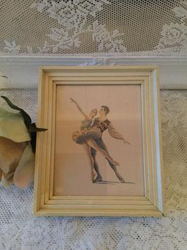 nr: 6038 klein prentje balletpaar achter glas