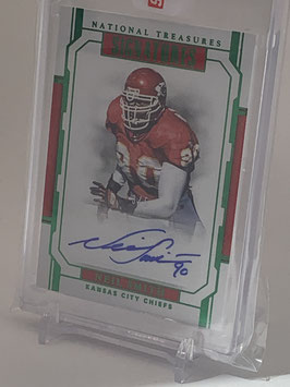 Neil Smith (Chiefs) 2018 National Treasures Signatures Emerald #S-NS