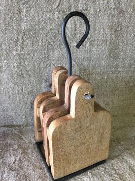 4 houten onderzetters op standaard