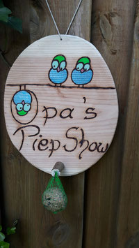 Vogelfutter- Station : Opa´s Piep Show