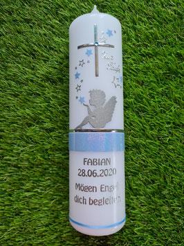 Taufkerze SK154-1 SCHUTZENGEL sitzend Sterne in Hellblau Holoflitter & Schmales Band / Silberschrift & Spruch
