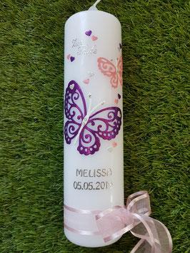Taufkerze Schmetterling mit Silberschrift TK183-5 Brombeerlila-Rosa-Silber Holoflitter