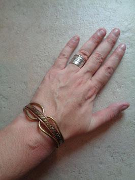 Bracelet tricolore graphique