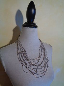 Collier multirangs argenté
