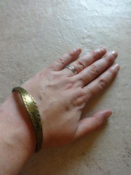 Bracelet doré gravé