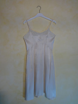 Nuisette satin blanc 50's T.34