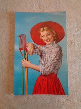 Carte postale Pin up jardinière 60's