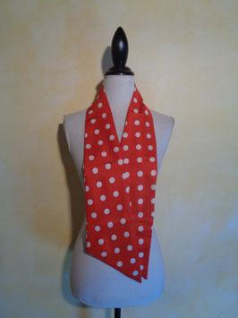 Foulard rouge à pois