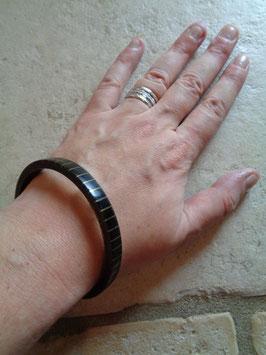 Bracelet rayé en corne