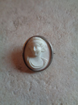 Broche portrait 50's