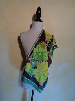 Foulard vert fleurs