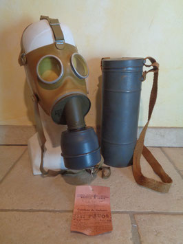 Masque à gaz de la seconde guerre mondiale