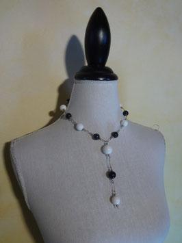 Collier noir et blanc