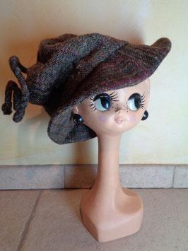 Chapeau en laine à carreaux