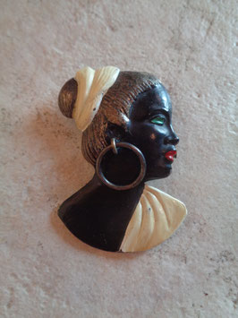 Broche profil femme africaine