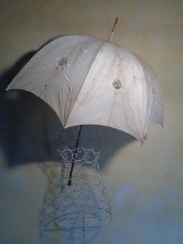 Ombrelle brodée 1900