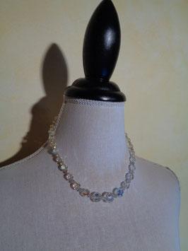 Collier de perles à facettes